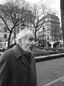 29-bastille-2012-avec-michel-chaigneau-a-mon-stand-et-acquereur-dune-de-mes-peintures-copie